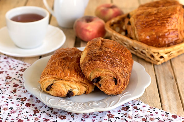 """<p><strong>Pain au chocolate -</strong>Creative and insightful an <a href=""""http://www.astrocentre.co.uk/psychic-readings-1270/articles/23771467"""">Aries</a> likes to push the boat out, copy the French and go European with their breakfast choice. They can be impatient by nature but luckily this breakfast is very quick and easy, and if you have time why not put the pain au chocolate in the microwave and have it warm!</p>Did you know that your star sign says a huge amount about you, from your personality traits, to your likes and dislikes, your emotions and your weaknesses? Therefore through looking at all this info we have been able to put together the best breakfast meals according to your star sign! <p>Do you live by the motto that breakfast is the most important meal of the day? Or do you more often than not just decide to go without? We've put together the best breakfast meals for each sign depending on your personality traits…</p><p><a href=""""/psychic-readings-1270/offers/psychicreadingnewcustomer"""">Open the doors to your destiny with a live private reading.</a></p><h2>Breakfast Meal Ideas for Each Star Sign</h2><p>Does your sign prefer a full English, toast and orange juice or a fruit salad…? Read on to find out…!</p>"""