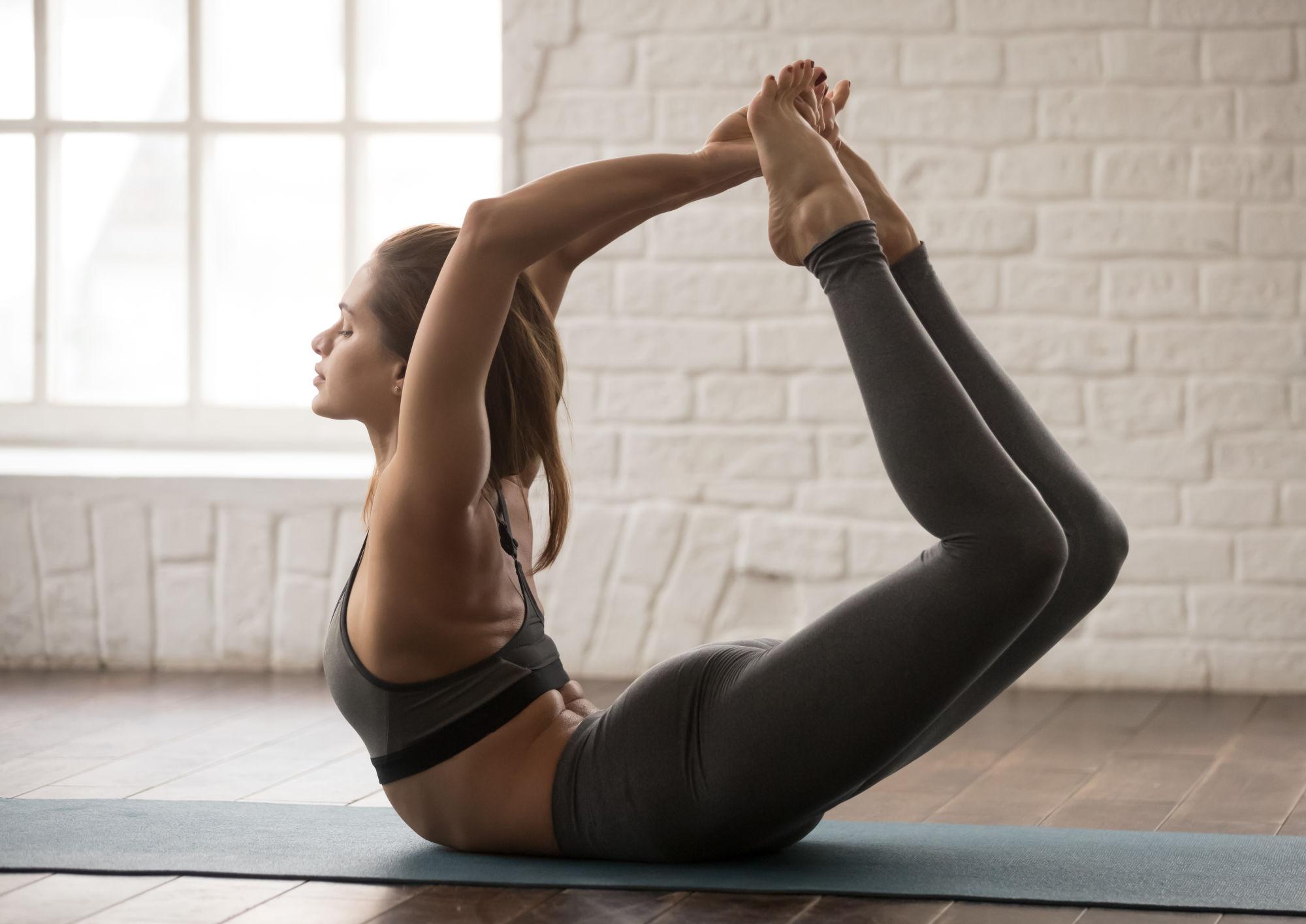 yoga posture le berceau