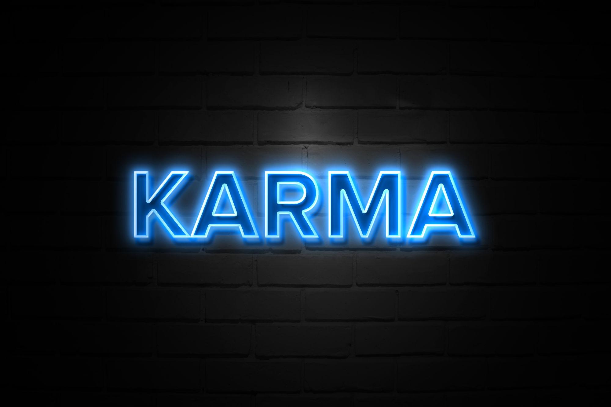 Karma en luces neon