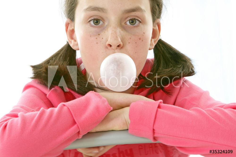 niña con pecas