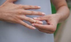 Sfilarsi un anello