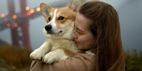 Ragazze con un cane