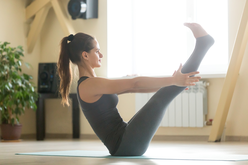 Yoga posture du bateau